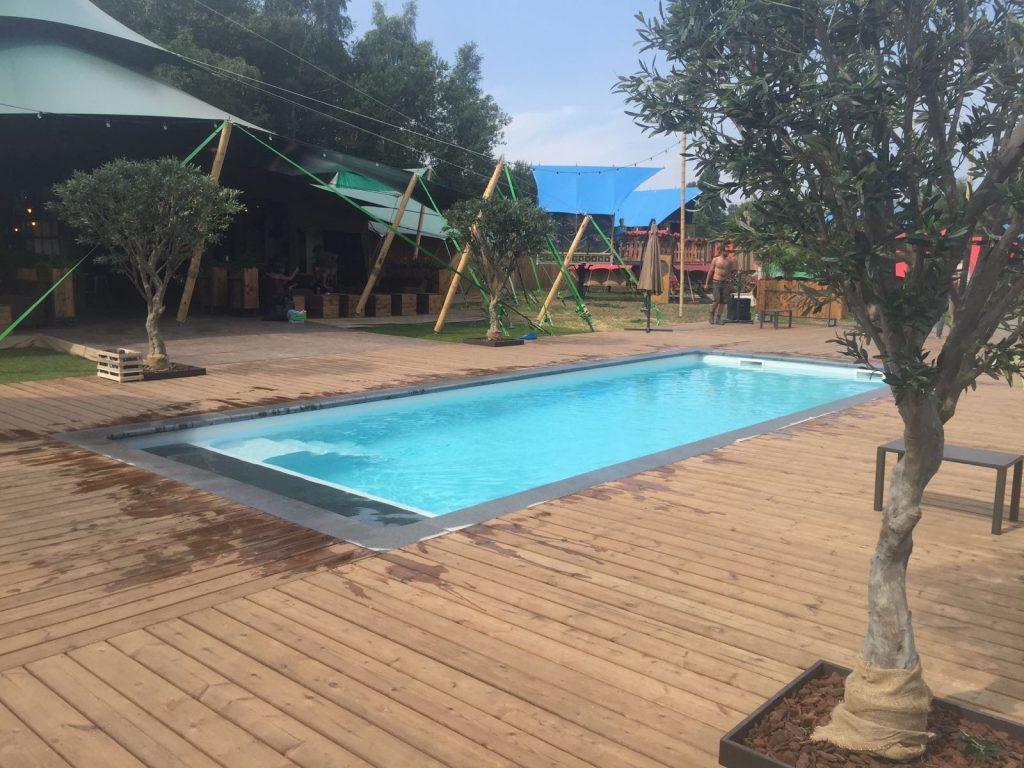 Dc piscines fabricant belge de coques polyester garanties for Accessoire piscine belgique