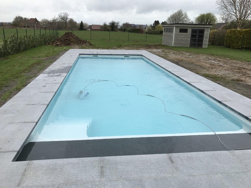 Dc piscines fabricant belge de coques polyester garanties for Piscine evolutive 9
