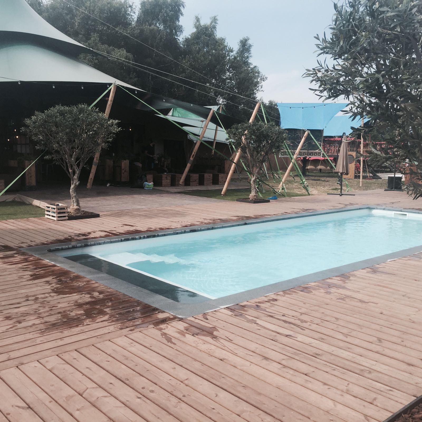Dc piscines fabricant belge de coques polyester garanties for Fabricant piscine polyester